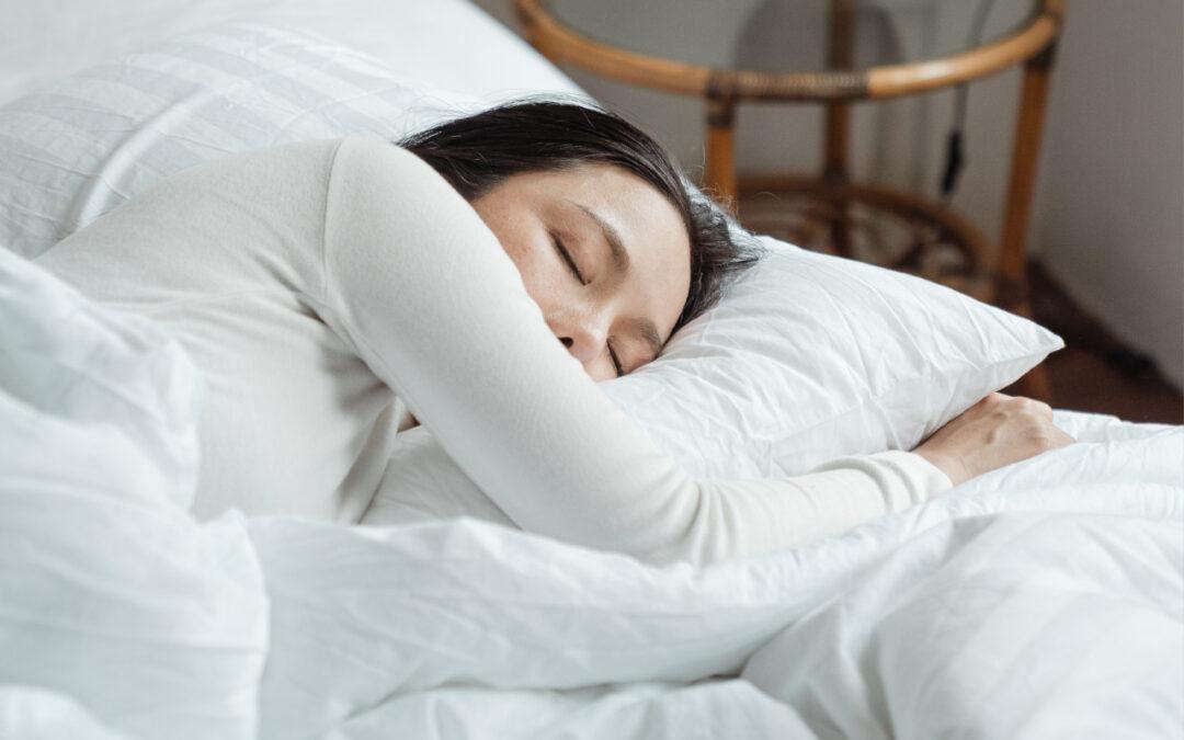 Jaki materac wybrać do spania? Przewodnik po materacach do łóżka