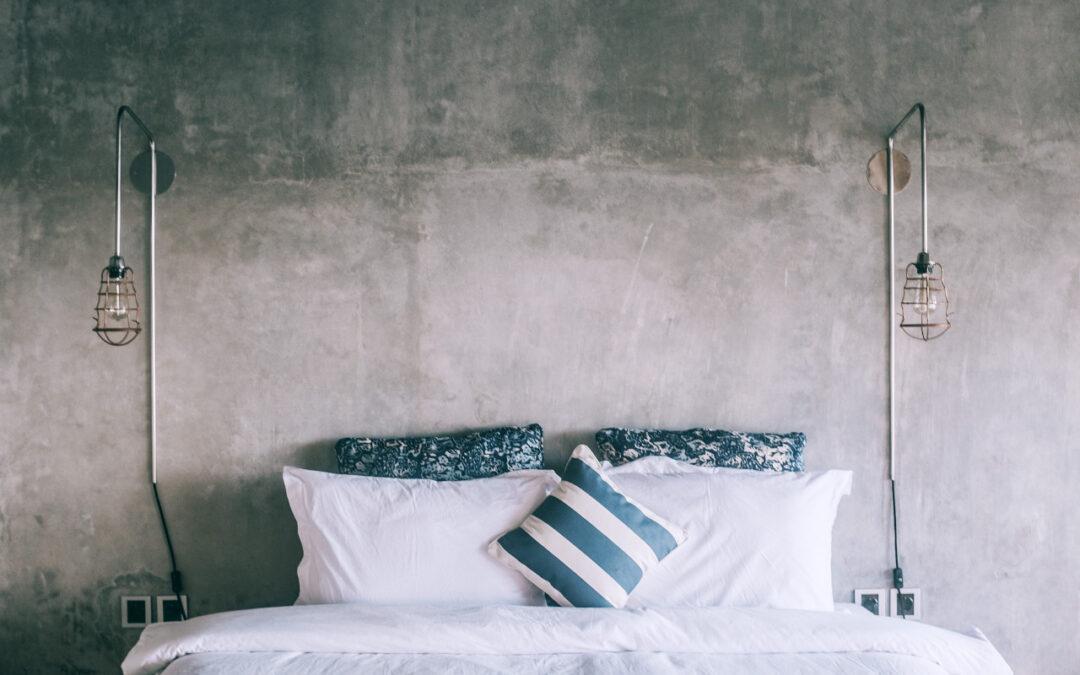 Sypialnia w stylu industrialnym (loftowym) – co ją wyróżnia?