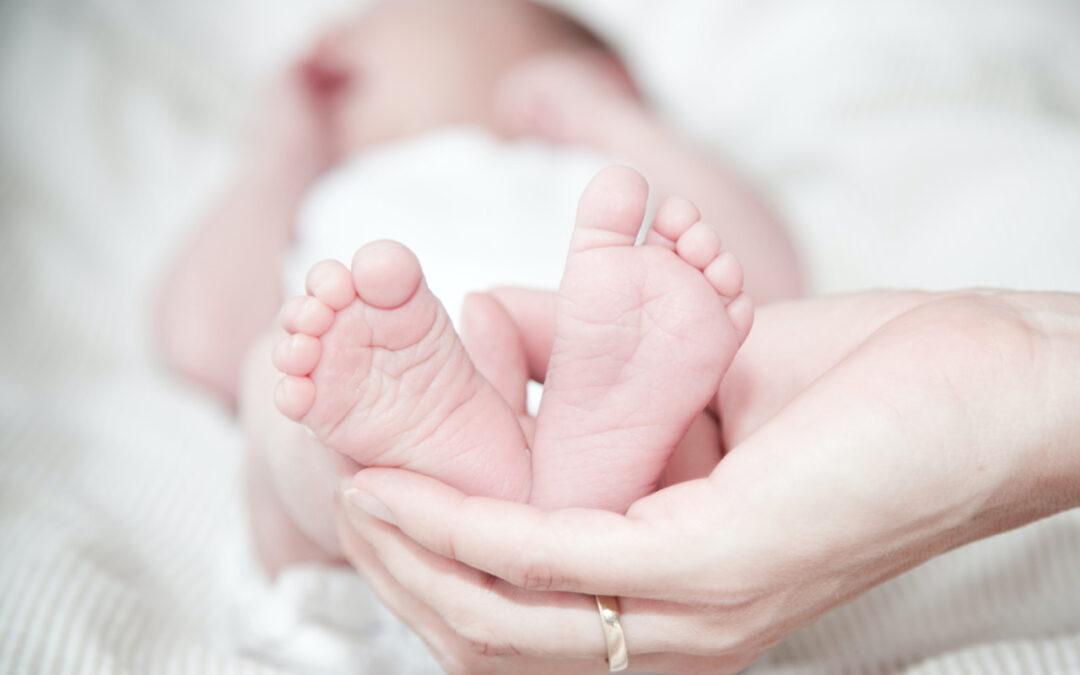 Jaki materac dla niemowlaka – wskazówki ekspertów pomocne przy wyborze materacy dla niemowlaków